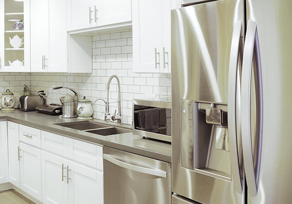 http://airbnbexpert.com/wp-content/uploads/2016/10/Kitchen-2-AirBNB-1000x700.jpg