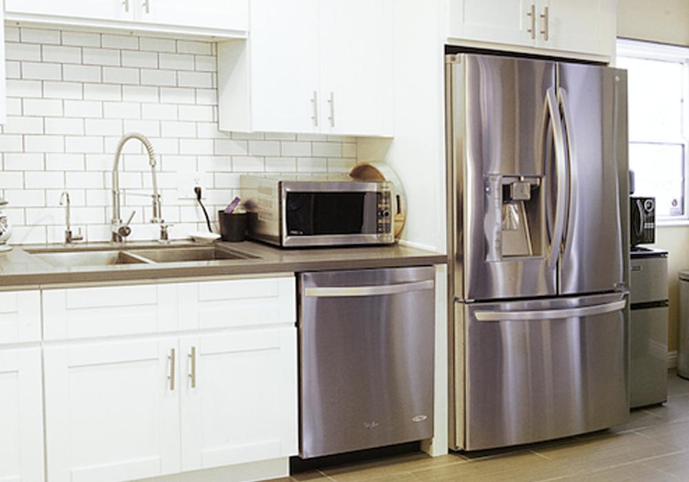 http://airbnbexpert.com/wp-content/uploads/2016/11/Kitchen-4-AirBNB-1000x700.jpg