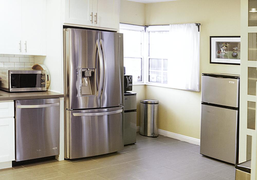http://airbnbexpert.com/wp-content/uploads/2016/11/Kitchen-5-AirBNB-1000x700.jpg