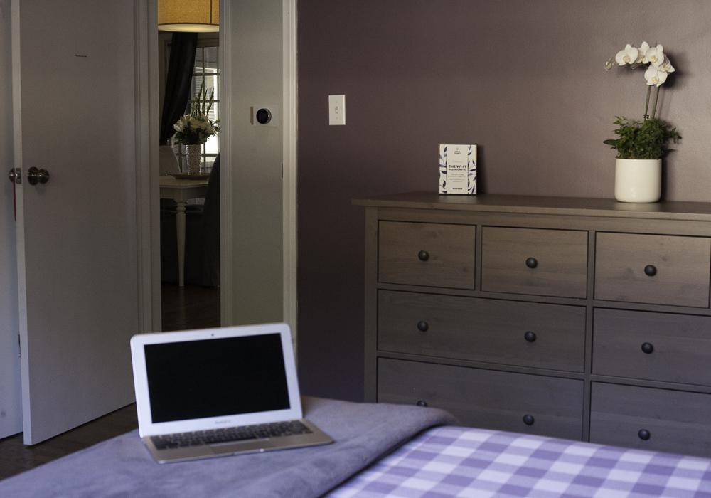 http://airbnbexpert.com/wp-content/uploads/2016/11/Purple-room-dresser-AirBNB-1000x700.jpg